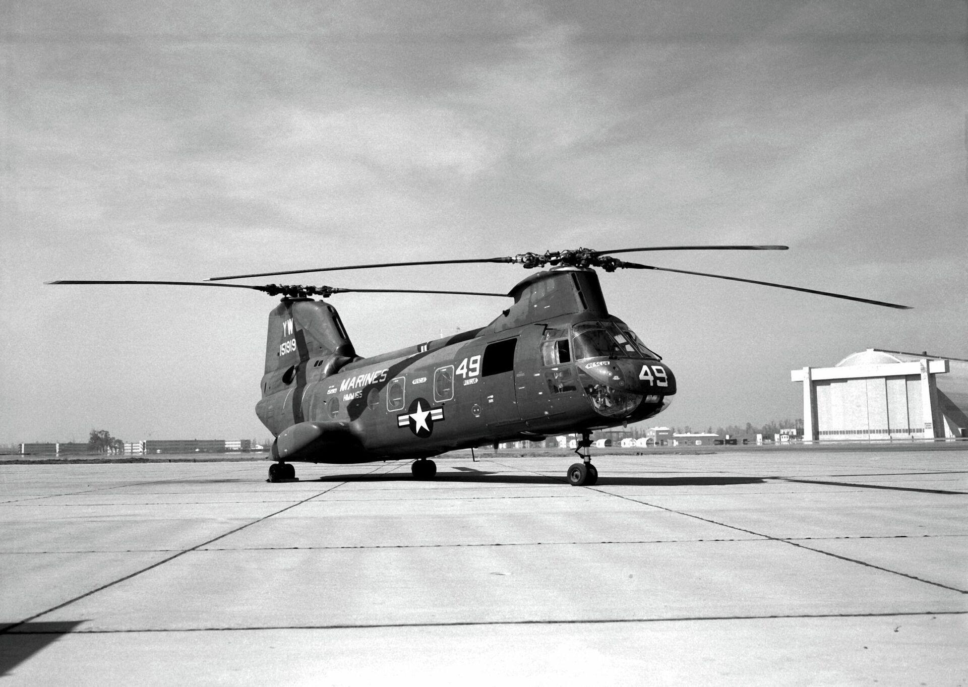 Un helicóptero Boeing Vertol CH-46A Sea Knight (BuNo 151919) del Cuerpo de Marines de EEUU (1966) - Sputnik Mundo, 1920, 20.08.2021
