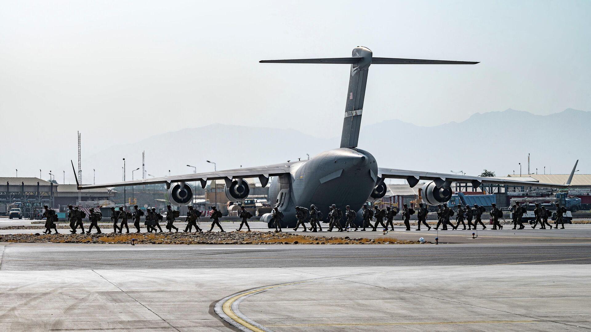 Evacuaciones en el aeropuerto de Kabul - Sputnik Mundo, 1920, 01.09.2021