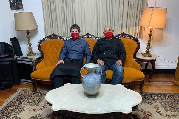 Pablo Maldonado y Mario Amaral, concesionarios del Mesón Español - Sputnik Mundo
