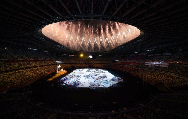 Fuegos artificiales en la ceremonia de apertura de los Juegos Paralímpicos 2020. - Sputnik Mundo