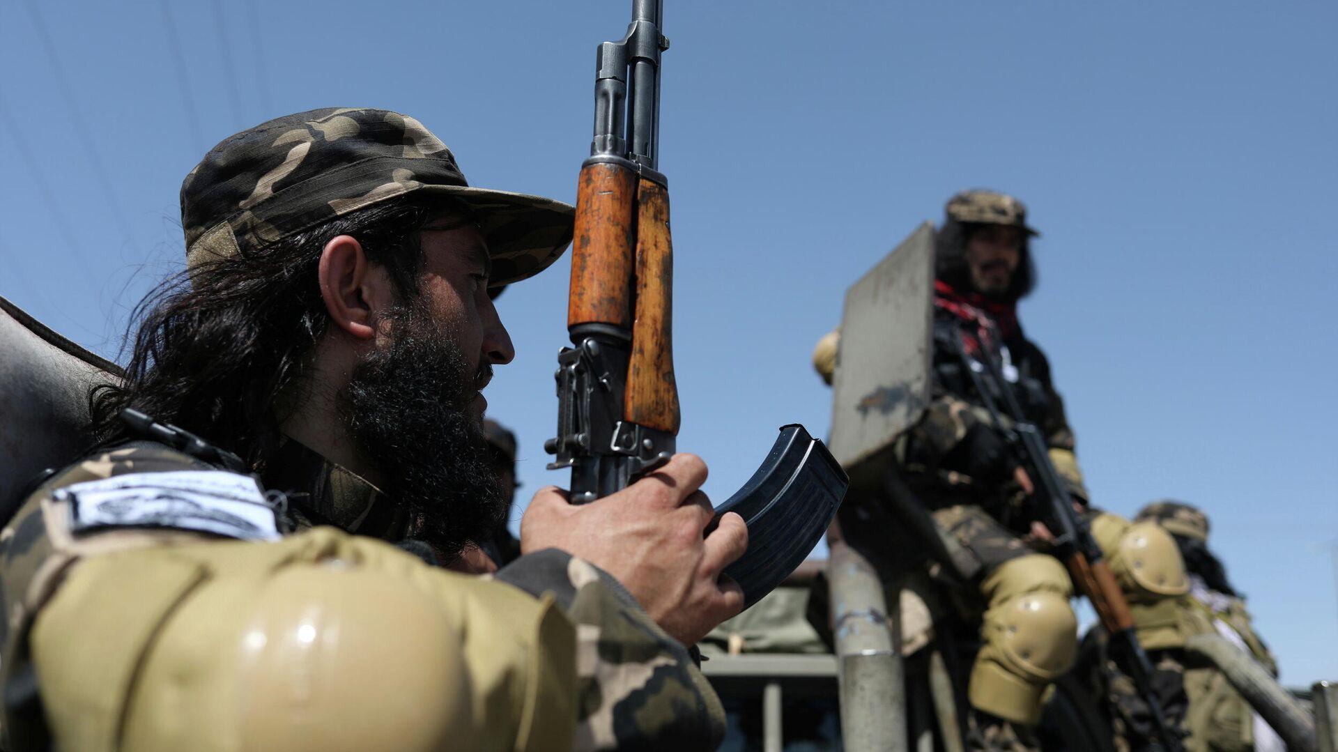 Miembros de las Fuerzas Especiales de Inteligencia del Talibán vigilan el aeródromo militar en Kabul, Afganistán, 5 de septiembre de 2021 - Sputnik Mundo, 1920, 05.09.2021