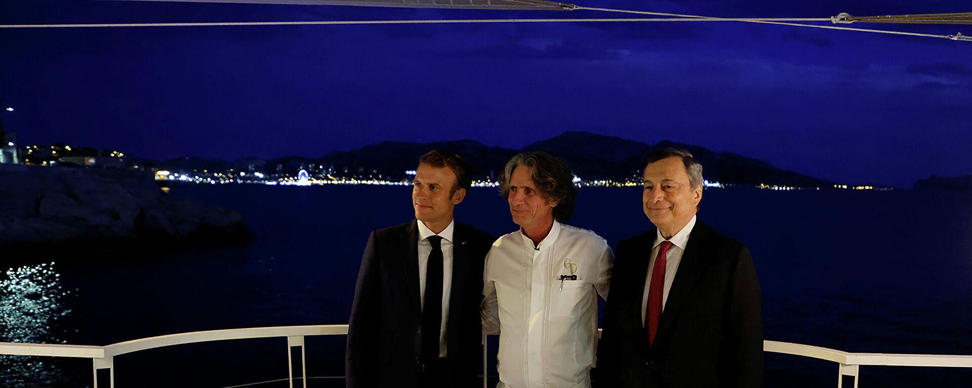 El presidente de francia, Emmanuel Macron, chef francés Gerald Passedat y el primer ministro de Italia, Mario Draghi - Sputnik Mundo, 1920, 06.09.2021