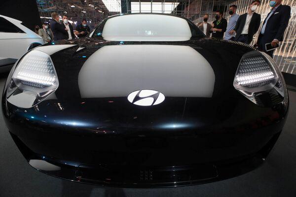 Un primer plano del concept car Hyundai Ioniq 6 en Múnich. - Sputnik Mundo