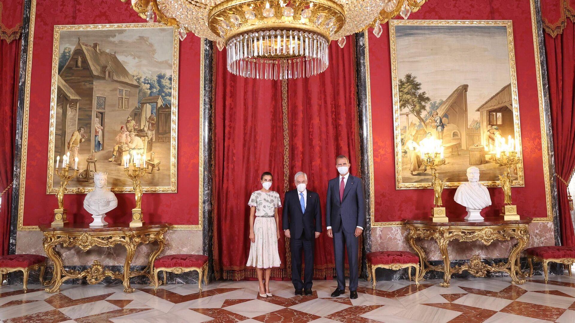 Los reyes de España y el presidente de Chile, Sebastián Piñera, en el Palacio Real. - Sputnik Mundo, 1920, 07.09.2021