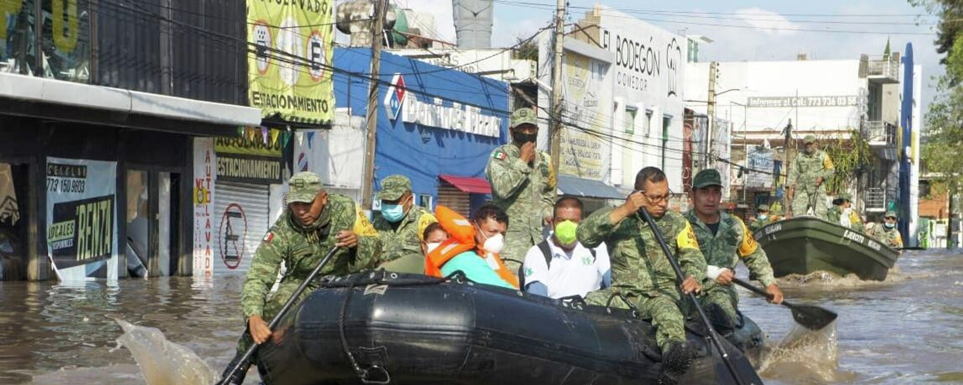 Militares mexicanos en labores de rescate.  - Sputnik Mundo, 1920, 09.09.2021