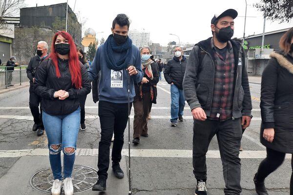 Gustavo Gatica, una de las víctimas más conocidas del estallido social de octubre de 2019, participa en la marcha en conmemoración del golpe de Estado a Salvador Allende - Sputnik Mundo
