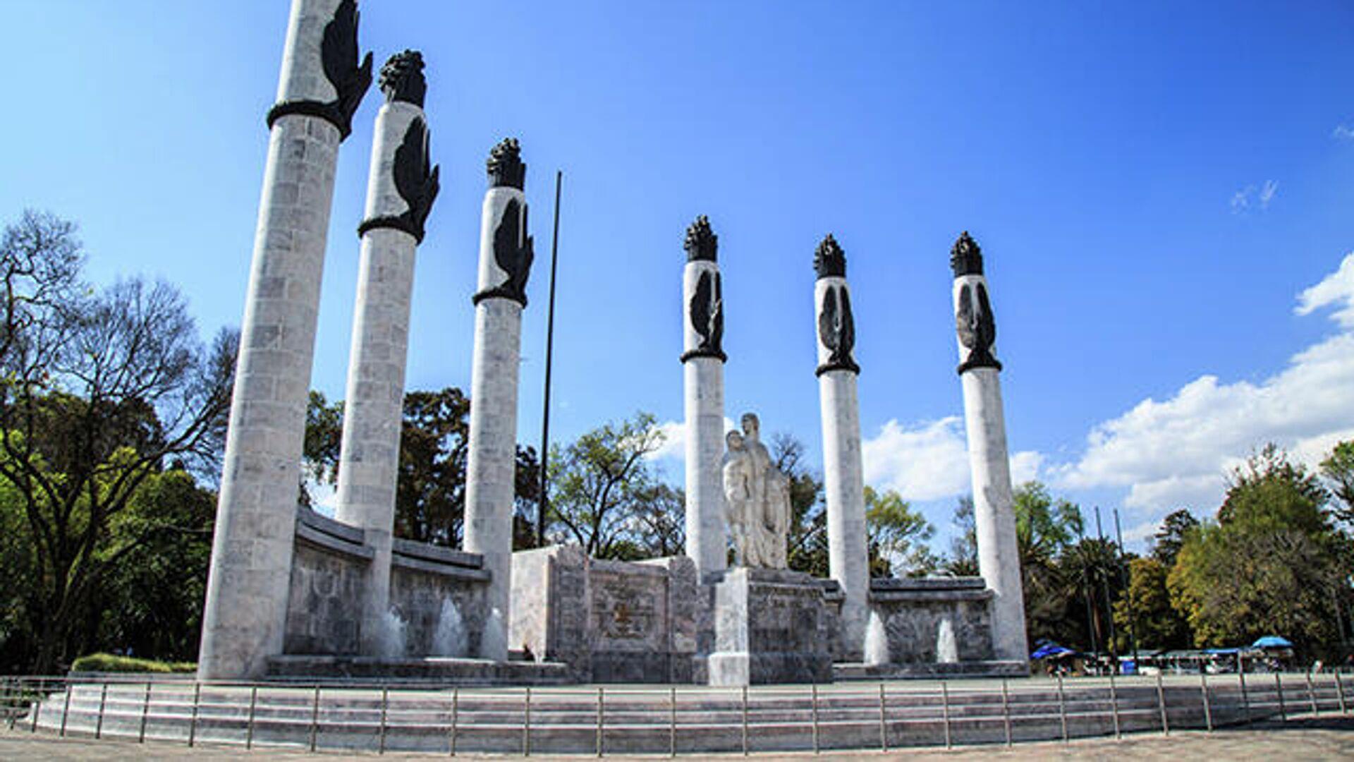 Altar a la Patria por los Niños Héroes en el Bosque de Chapultepec - Sputnik Mundo, 1920, 13.09.2021