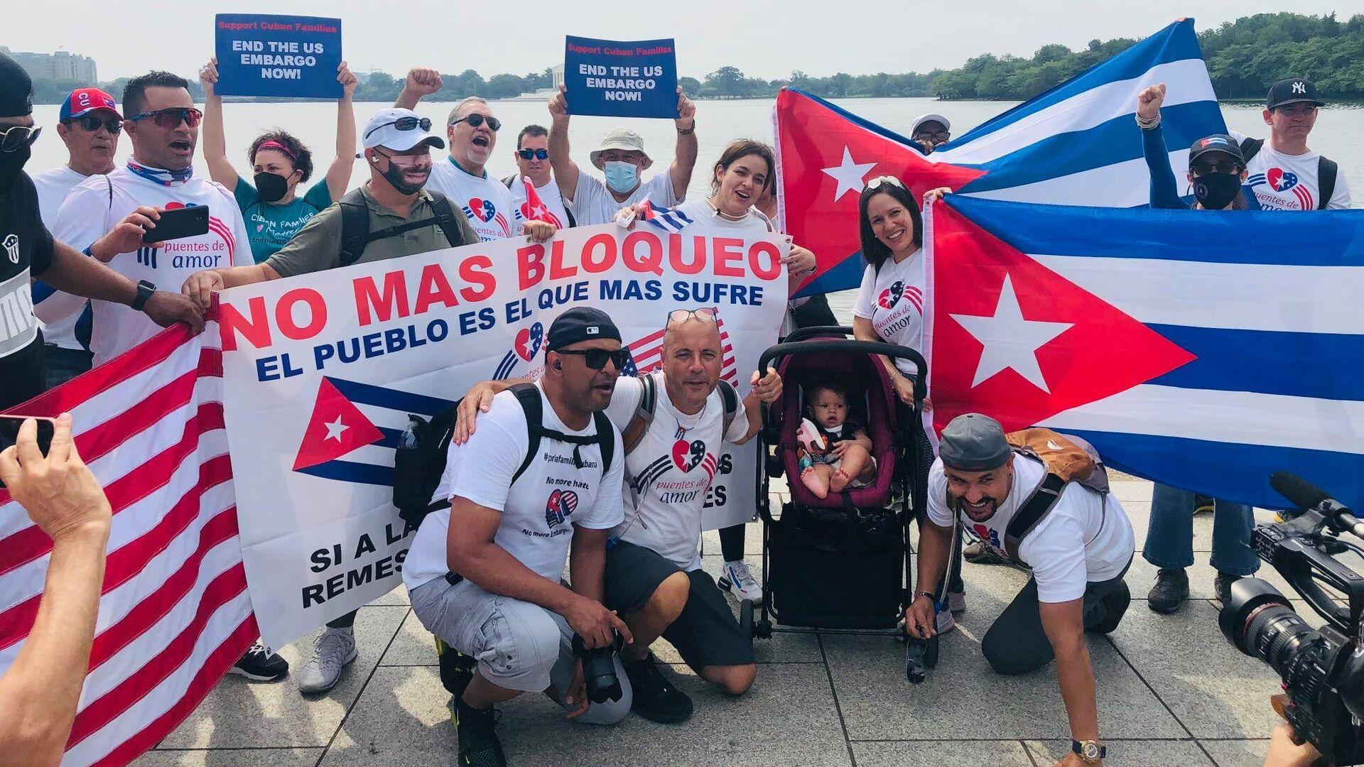 Manifestación contra el bloque económico de EEUU a Cuba - Sputnik Mundo, 1920, 13.09.2021