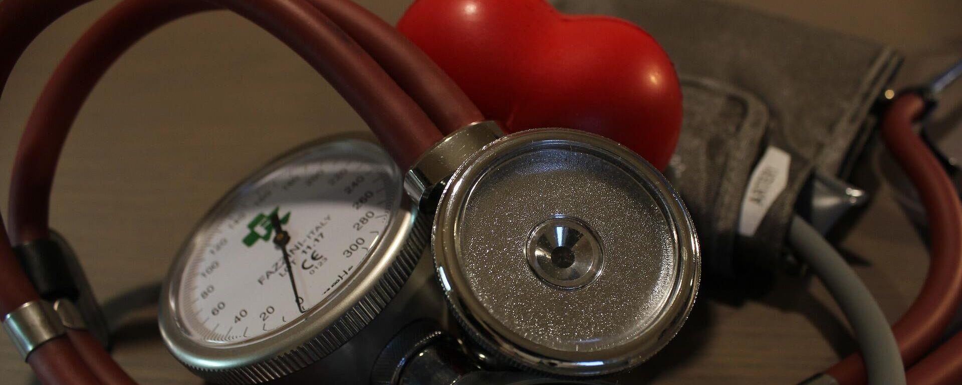 Medición arterial (imagen referencial) - Sputnik Mundo, 1920, 14.09.2021