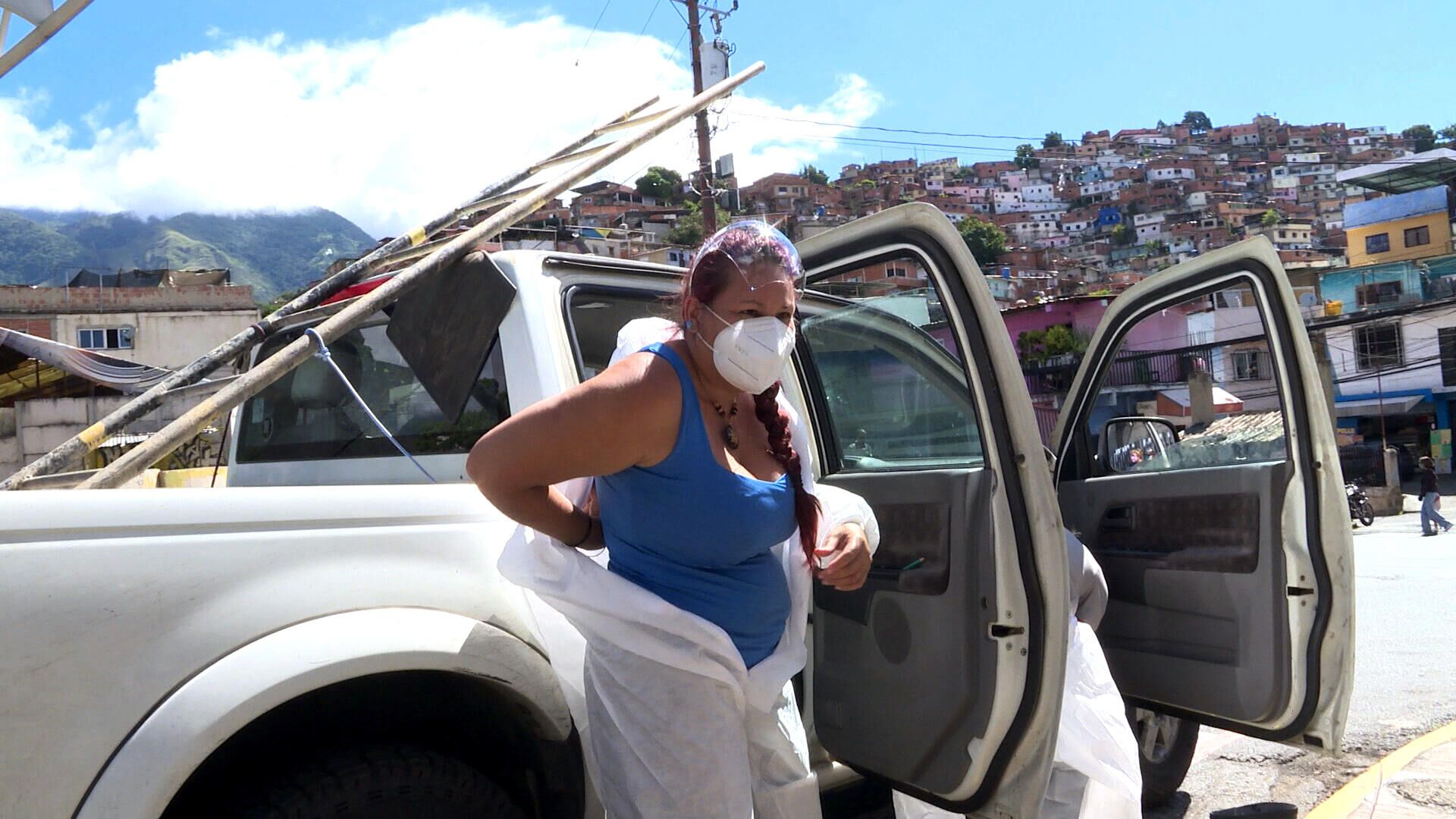 Alejandra Zamora, investigadora venezolana, durante la primera jornada de muestreo para el proyecto Detección de SARS-CoV-2 en Aguas Servidas - Sputnik Mundo, 1920, 15.09.2021