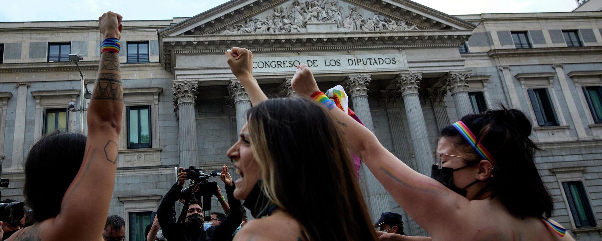 Femen se manifiesta contra la homofobia - Sputnik Mundo, 1920, 16.09.2021