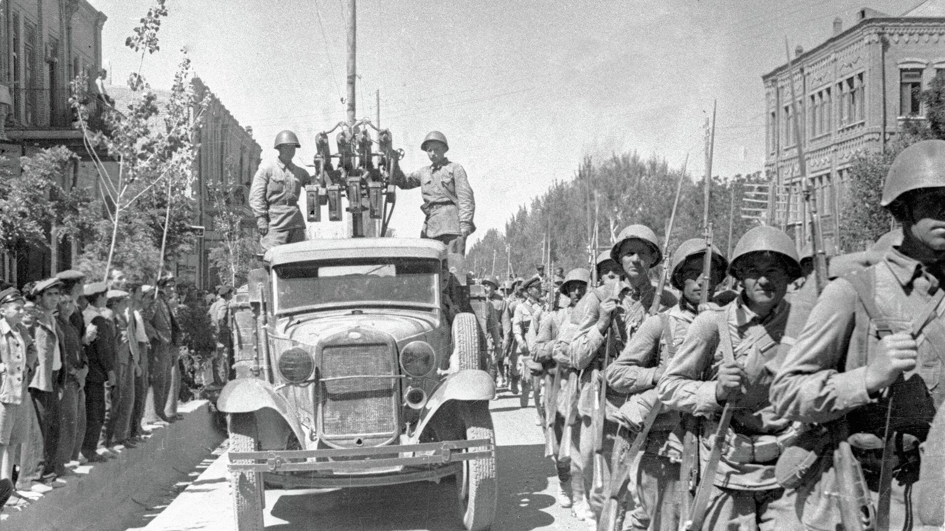 El Ejército Rojo entra en la ciudad de Tabriz, Irán - Sputnik Mundo, 1920, 16.09.2021
