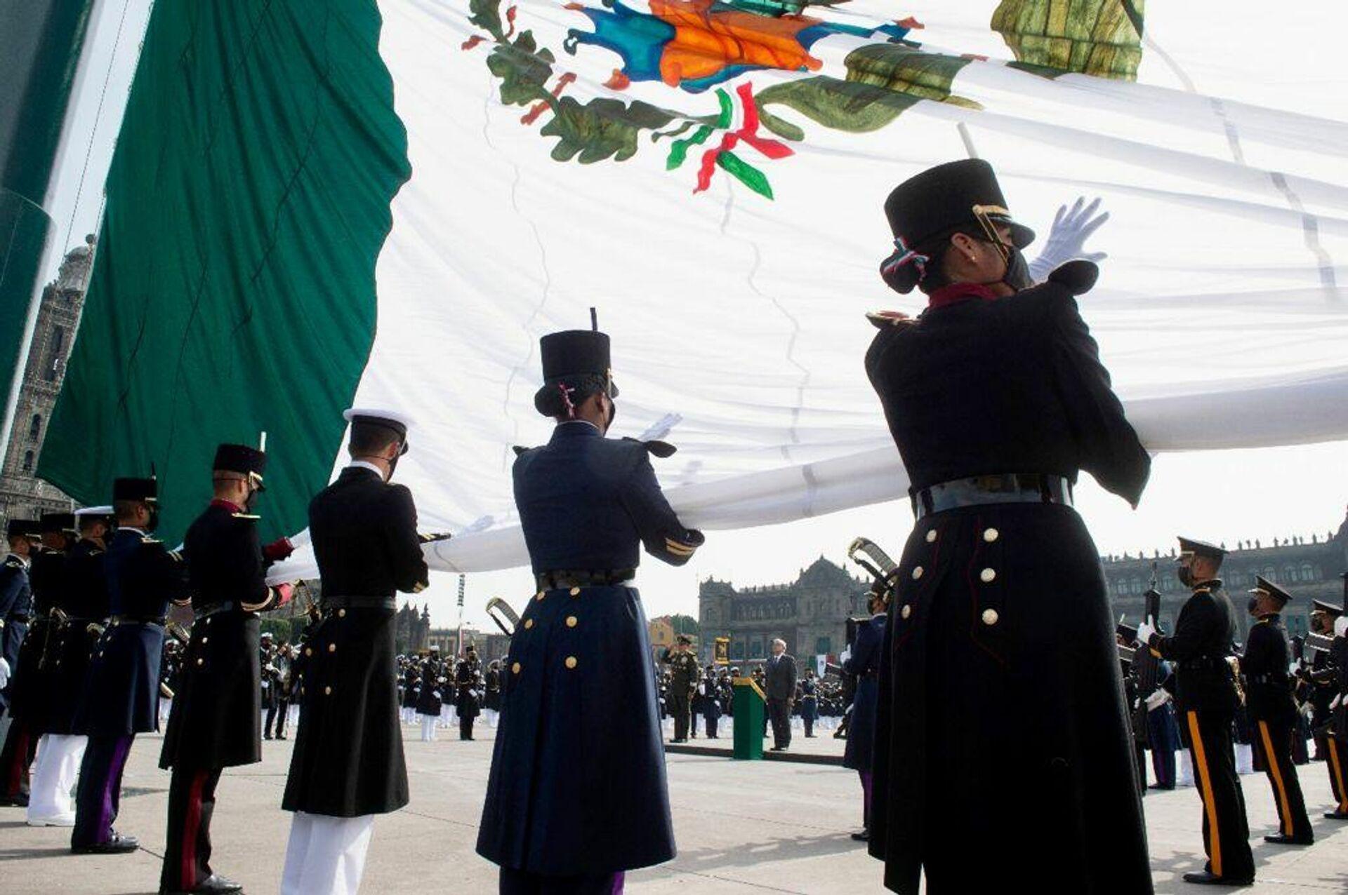 Más de 2.000 mujeres de las Fuerzas armadas participaron en el desfile - Sputnik Mundo, 1920, 16.09.2021