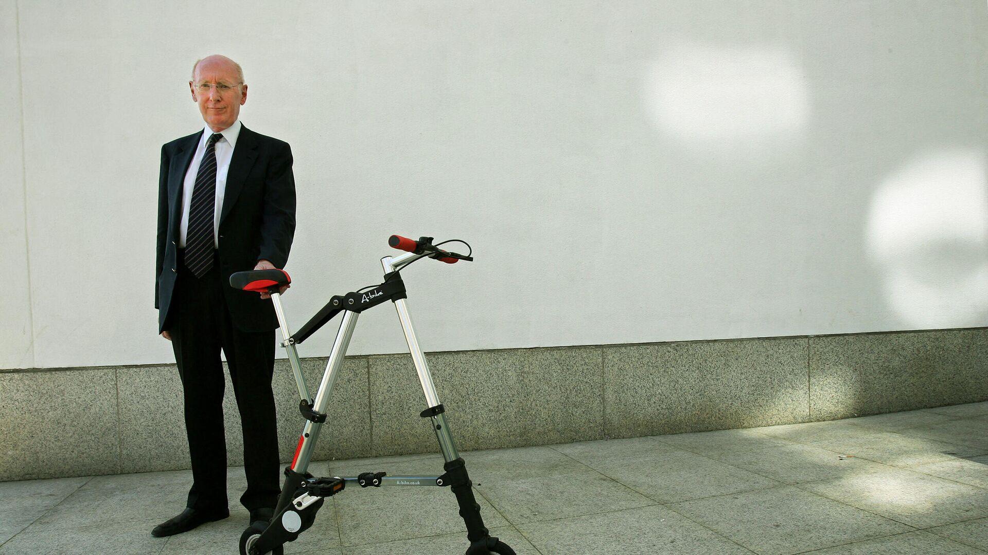 Clive Sinclair, inventor y empresario británico  - Sputnik Mundo, 1920, 17.09.2021