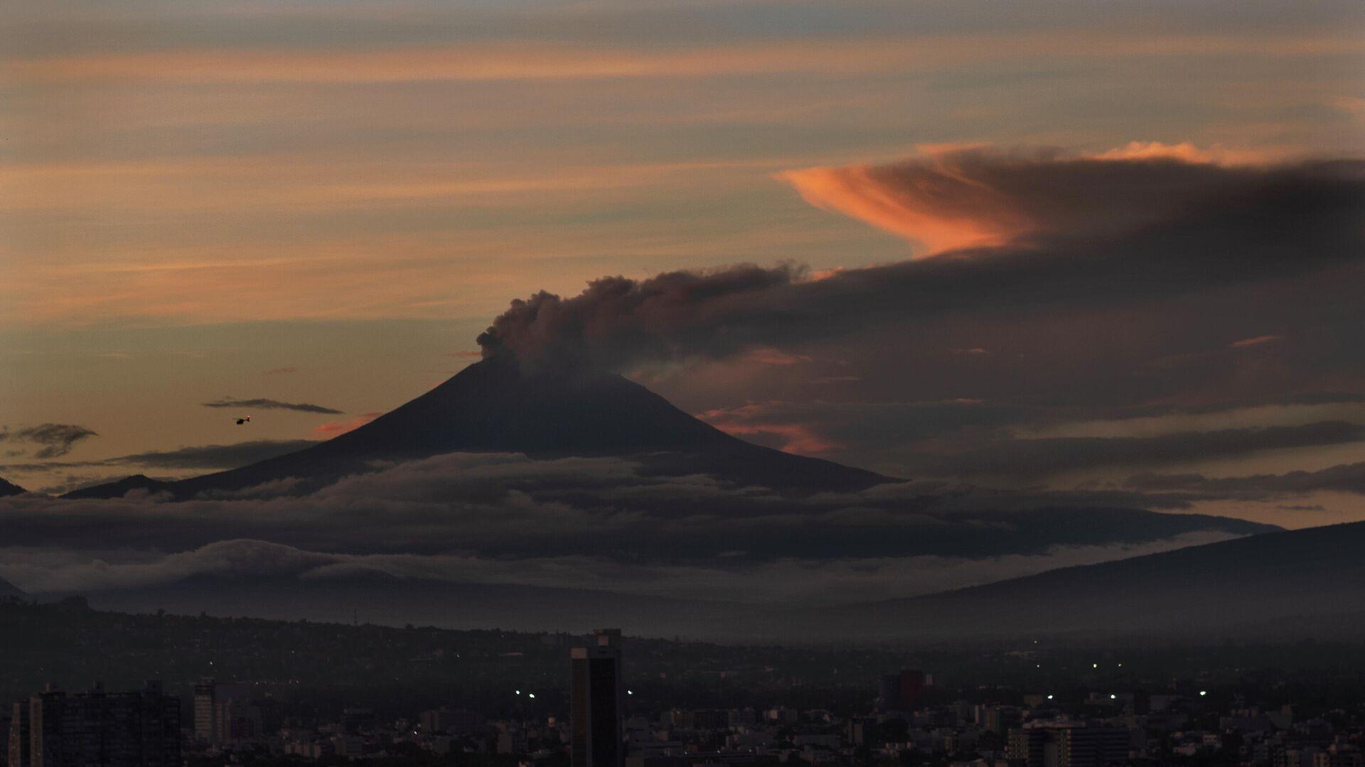 El volcán Popocatépetl - Sputnik Mundo, 1920, 17.09.2021