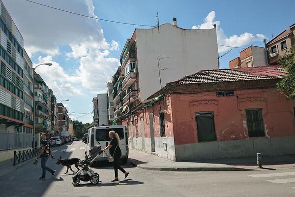 La calle Peironcely, fotografiada por Robert Capa, en el barrio de Vallecas (Madrid) - Sputnik Mundo