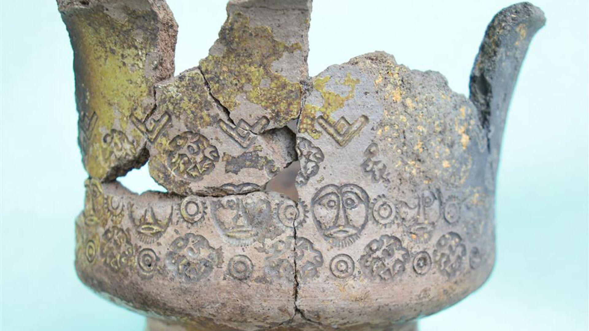 Tazón antiguo encontrado durante excavaciones en el Kremlin de Moscú - Sputnik Mundo, 1920, 17.09.2021