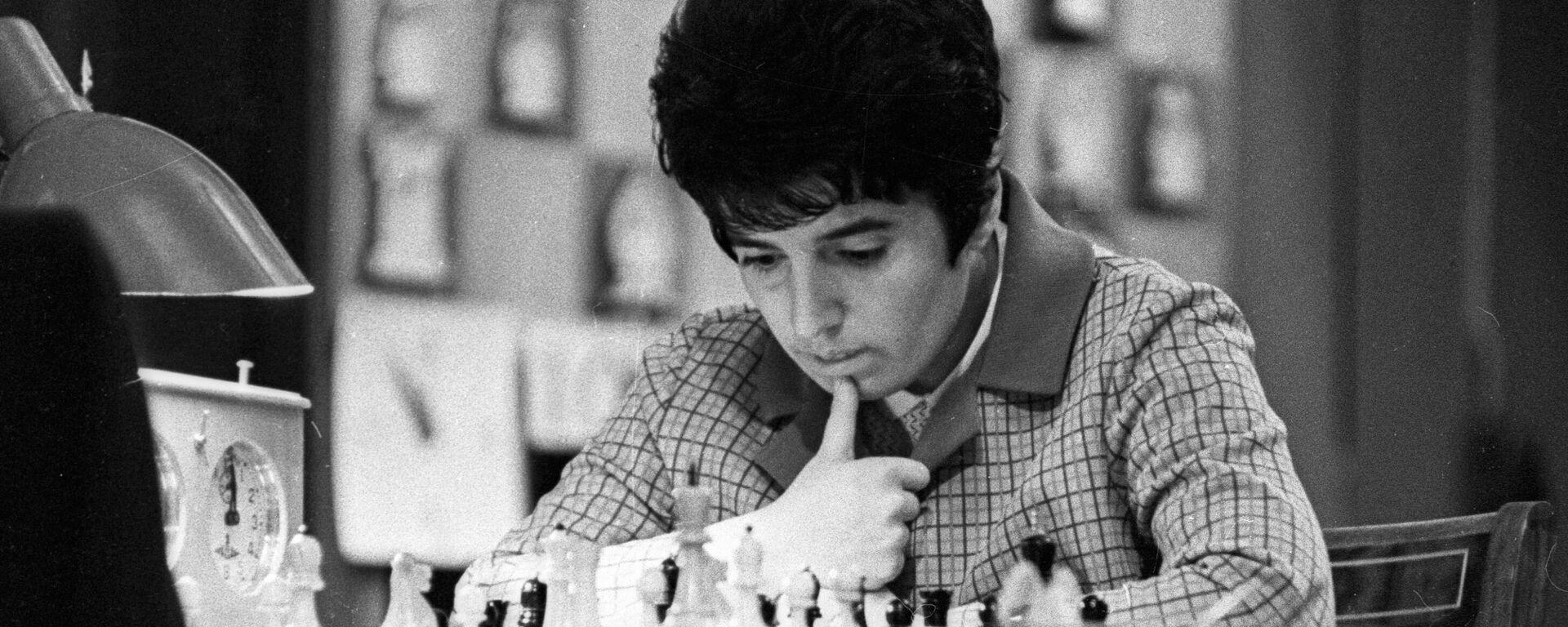 La ajedrecista georgiana Nona Gaprindashvili en 1970 - Sputnik Mundo, 1920, 17.09.2021
