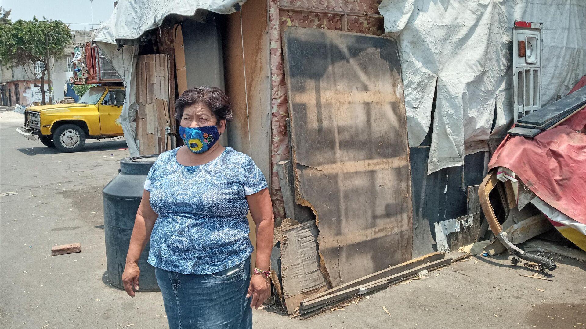 Luisa Aguirre damnificada del sismo de 2017 posa para foto, sigue sin poder volver a casa - Sputnik Mundo, 1920, 19.09.2021