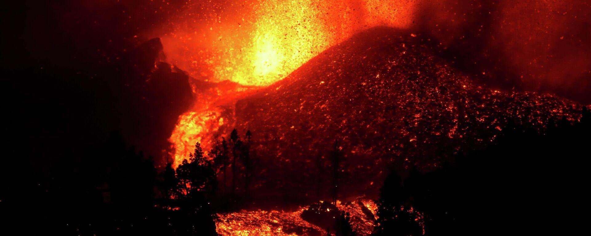 Erupción del volcán en las Canarias - Sputnik Mundo, 1920, 20.09.2021