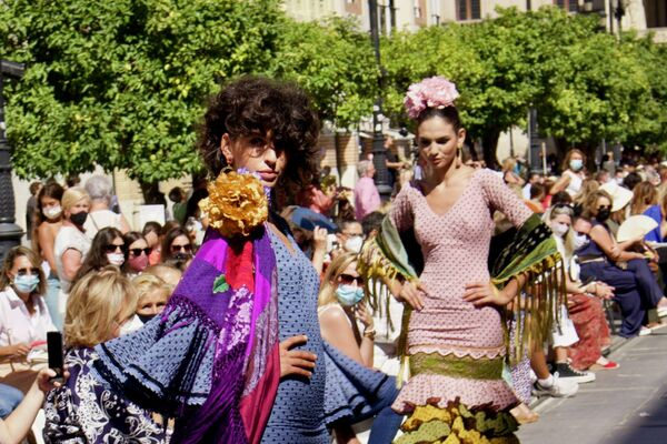 Desfile de Sevilla Flamenca - Sputnik Mundo