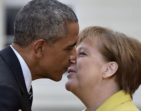 Después de su primer mandato, Angela Merkel encabezó los Gobiernos alemanes en tres ocasiones más: la coalición negra y amarilla con el Partido Demócrata Libre y dos más con el SPD.En la foto: la canciller alemana, Angela Merkel, y el presidente de Estados Unidos, Barack Obama, reunidos en Hannover (Alemania), en el 2016. - Sputnik Mundo