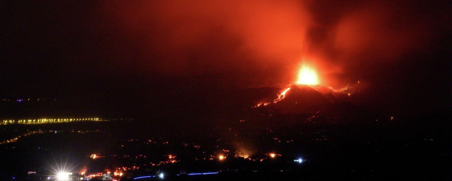 La erupción del volcán de La Palma (en las Islas Canarias) - Sputnik Mundo, 1920, 22.09.2021