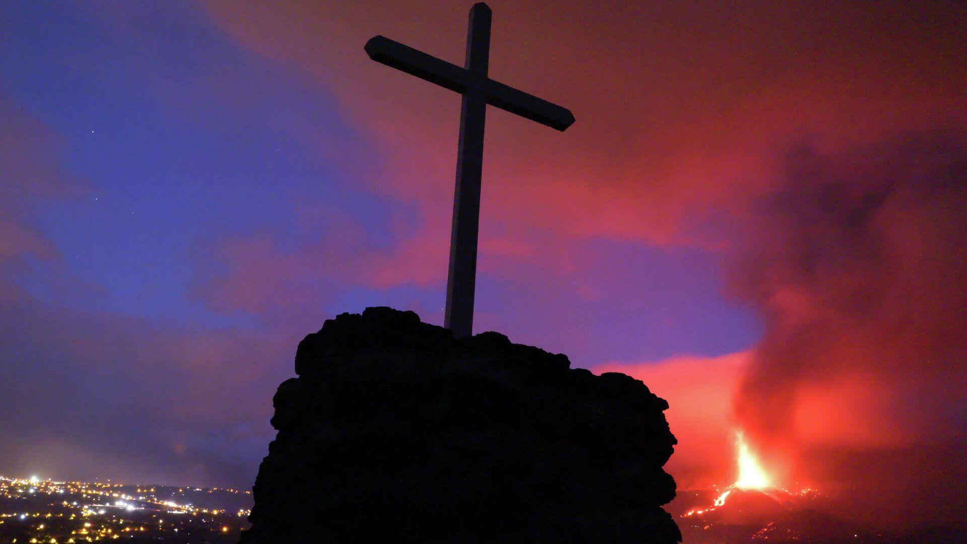 La erupción del volcán en La Palma, en Las Islas Canarias - Sputnik Mundo, 1920, 22.09.2021
