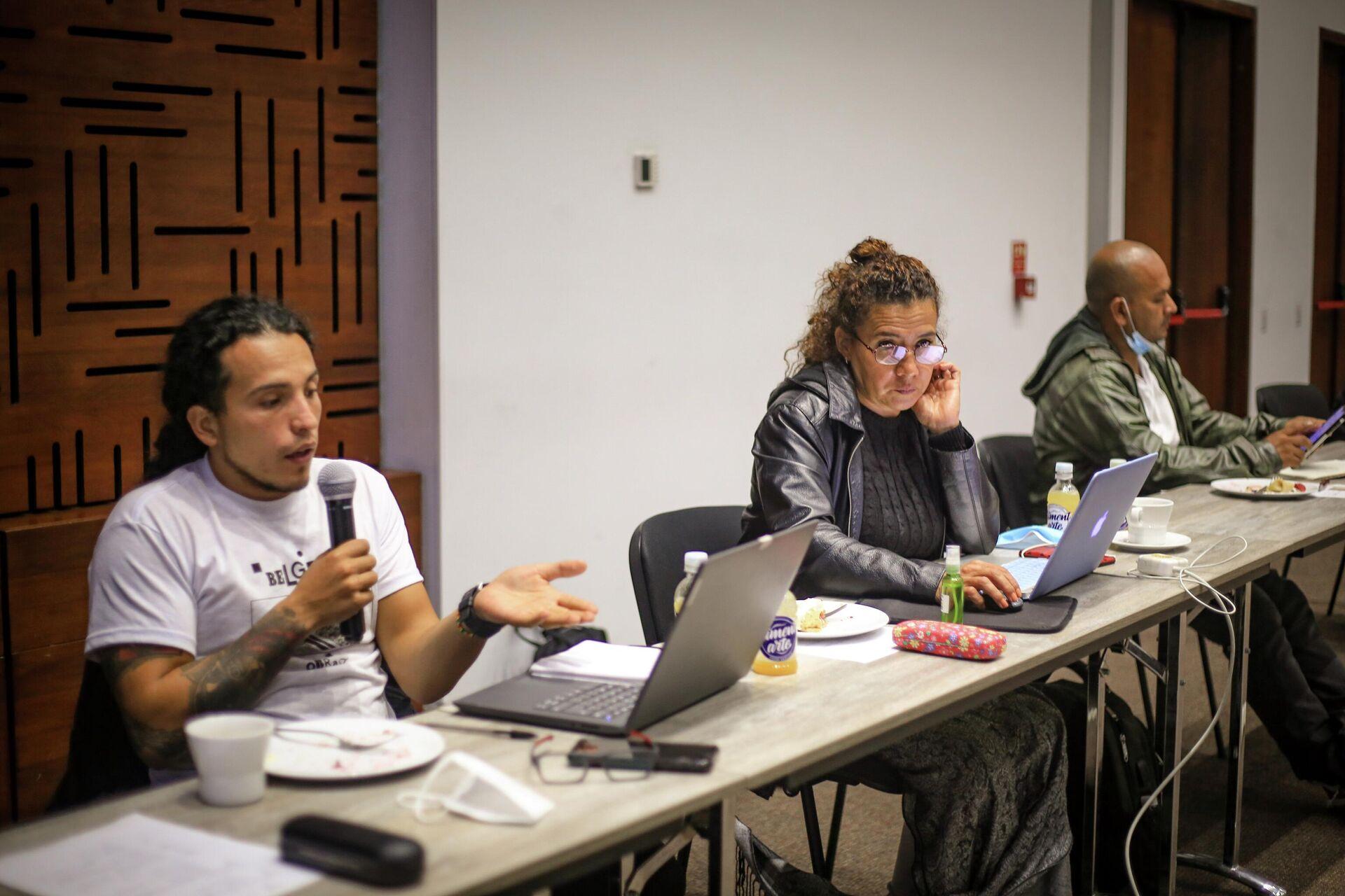 John León y Mireya Andrade, de la comisión de búsqueda de desparecidos creada por las antiguas FARC - Sputnik Mundo, 1920, 22.09.2021