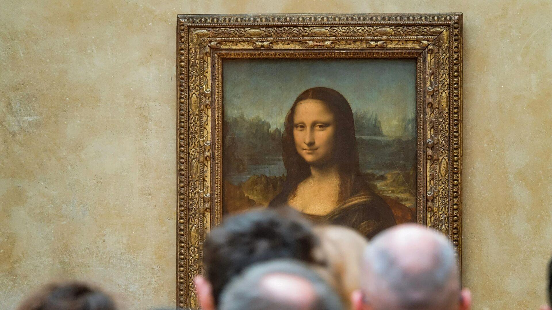 La pintura de la Mona Lisa en el museo del Louvre, en París - Sputnik Mundo, 1920, 23.09.2021