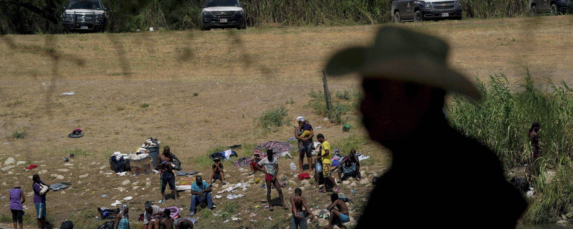 Migrantes haitianos en El Río - Sputnik Mundo, 1920, 23.09.2021