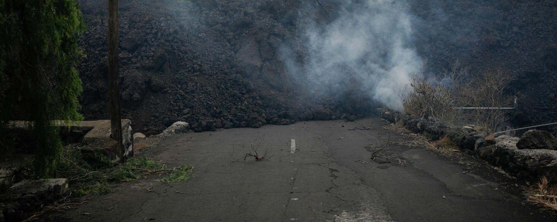 La lava del volcán de La Palma llega al núcleo urbano de Todoque - Sputnik Mundo, 1920, 24.09.2021