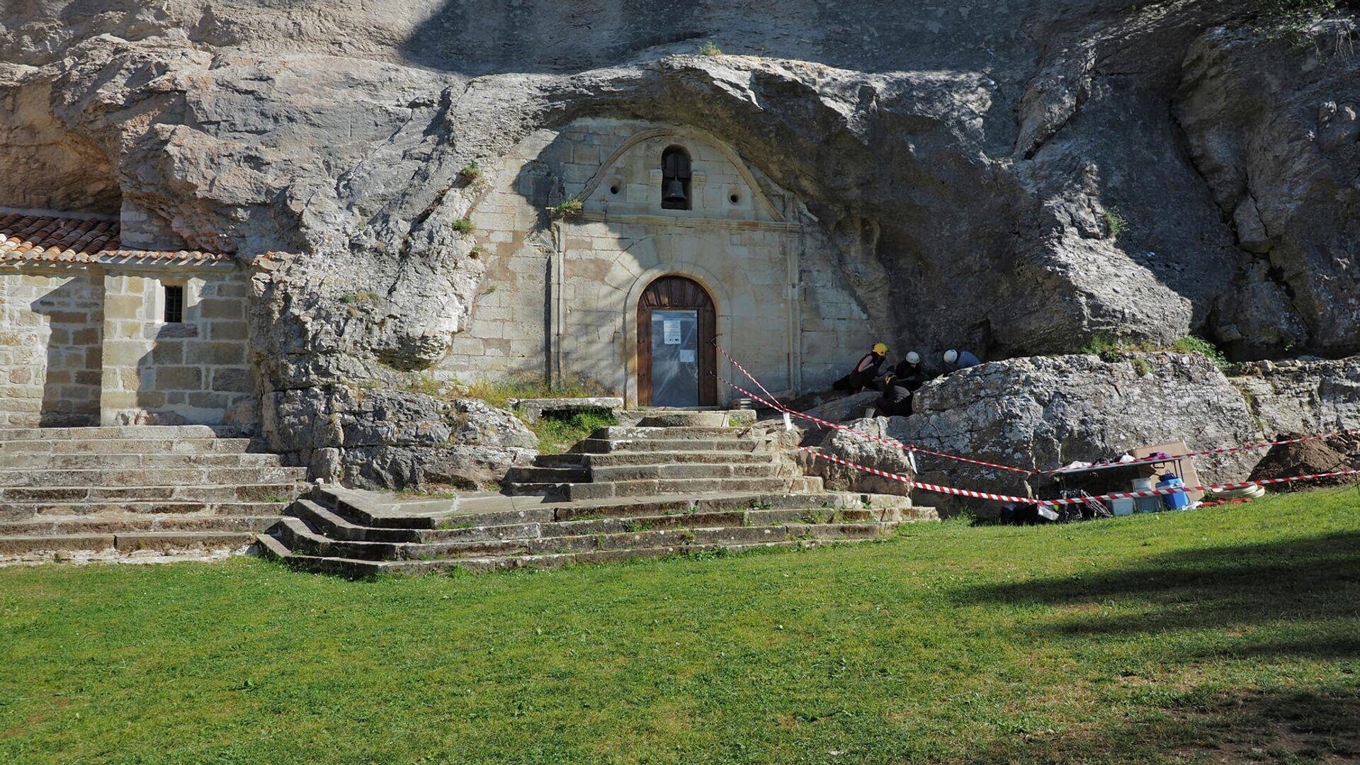 Pórtico de la ermita de San Tirso y San Bernabé (Burgos) - Sputnik Mundo, 1920, 25.09.2021