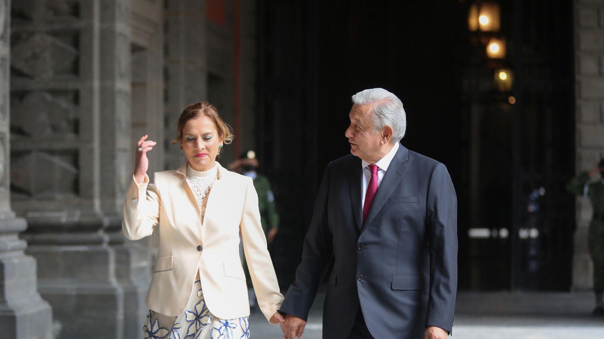 Beatriz Gutiérrez Müller y Andrés Manuel López Obrador - Sputnik Mundo, 1920, 24.09.2021