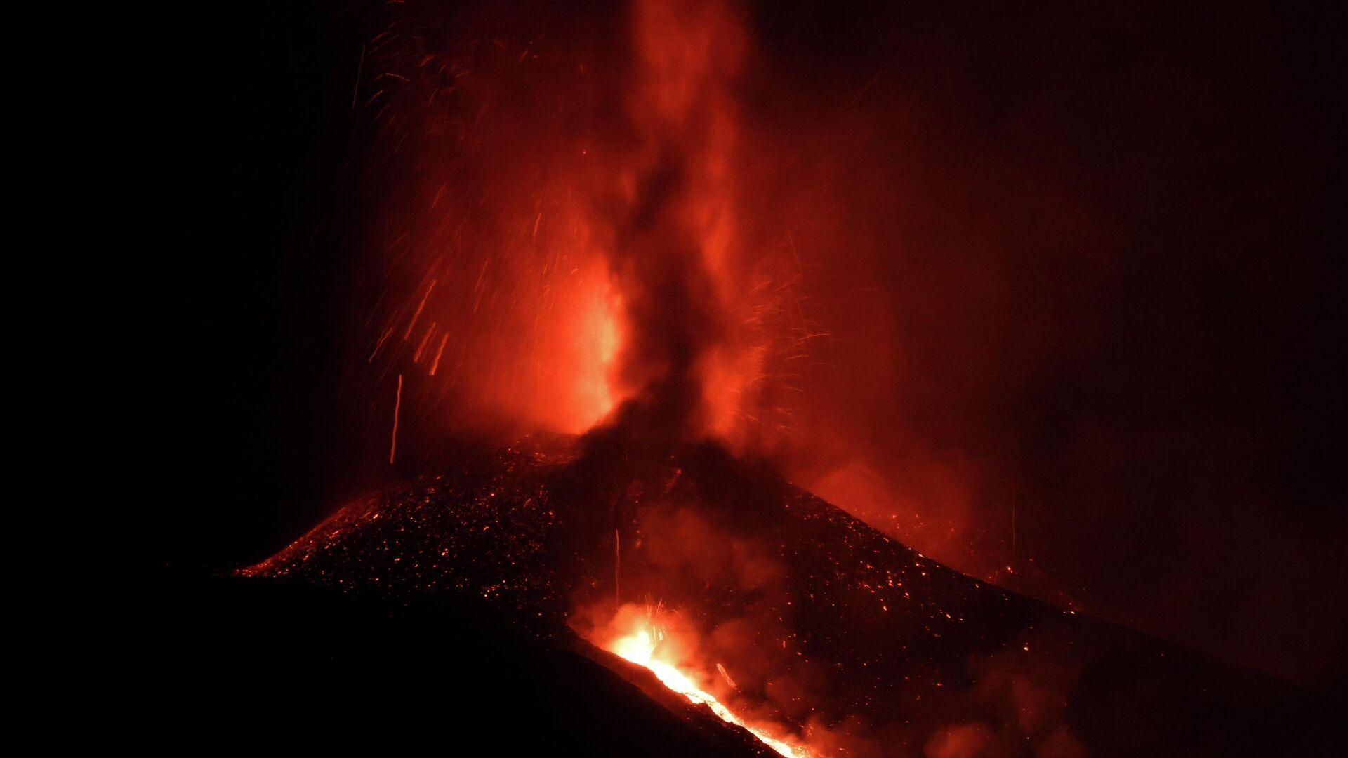 El volcán de La Palma  - Sputnik Mundo, 1920, 24.09.2021