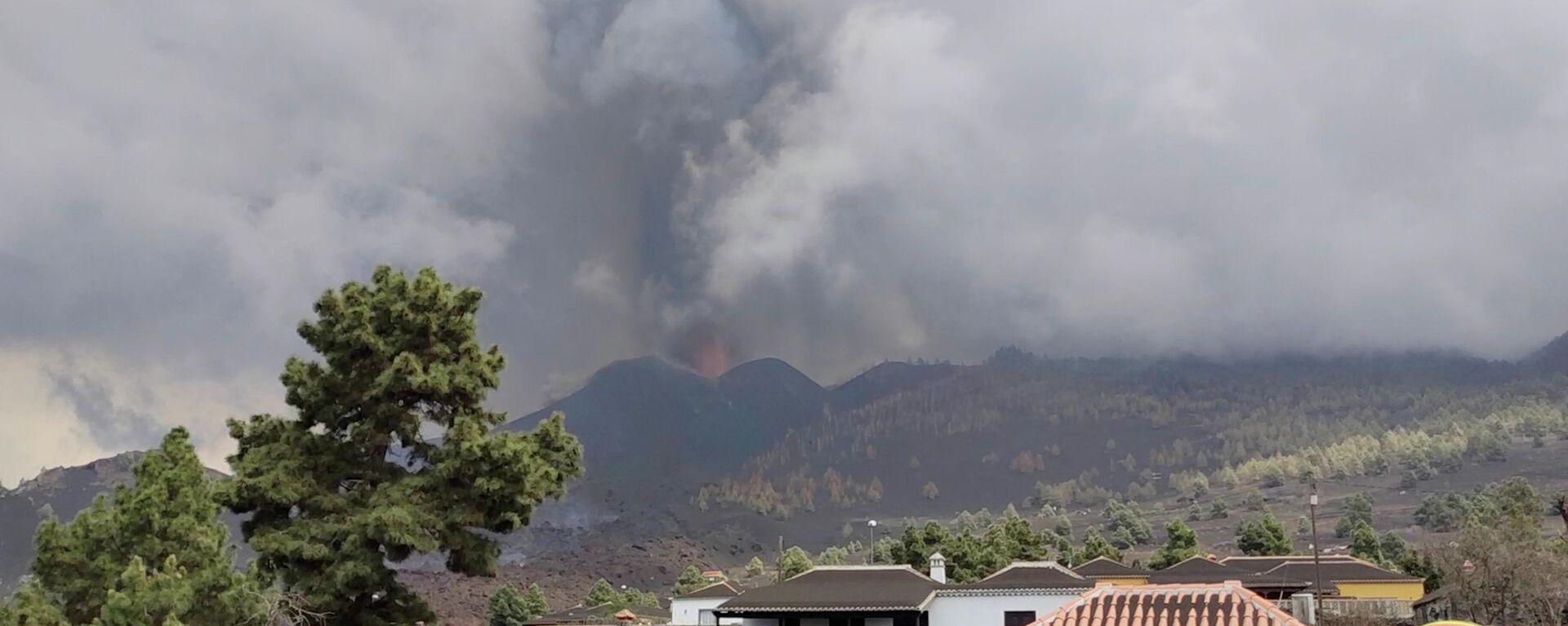 El volcán de La Palma sigue en erupción, las Islas Canarias, España - Sputnik Mundo, 1920, 27.09.2021