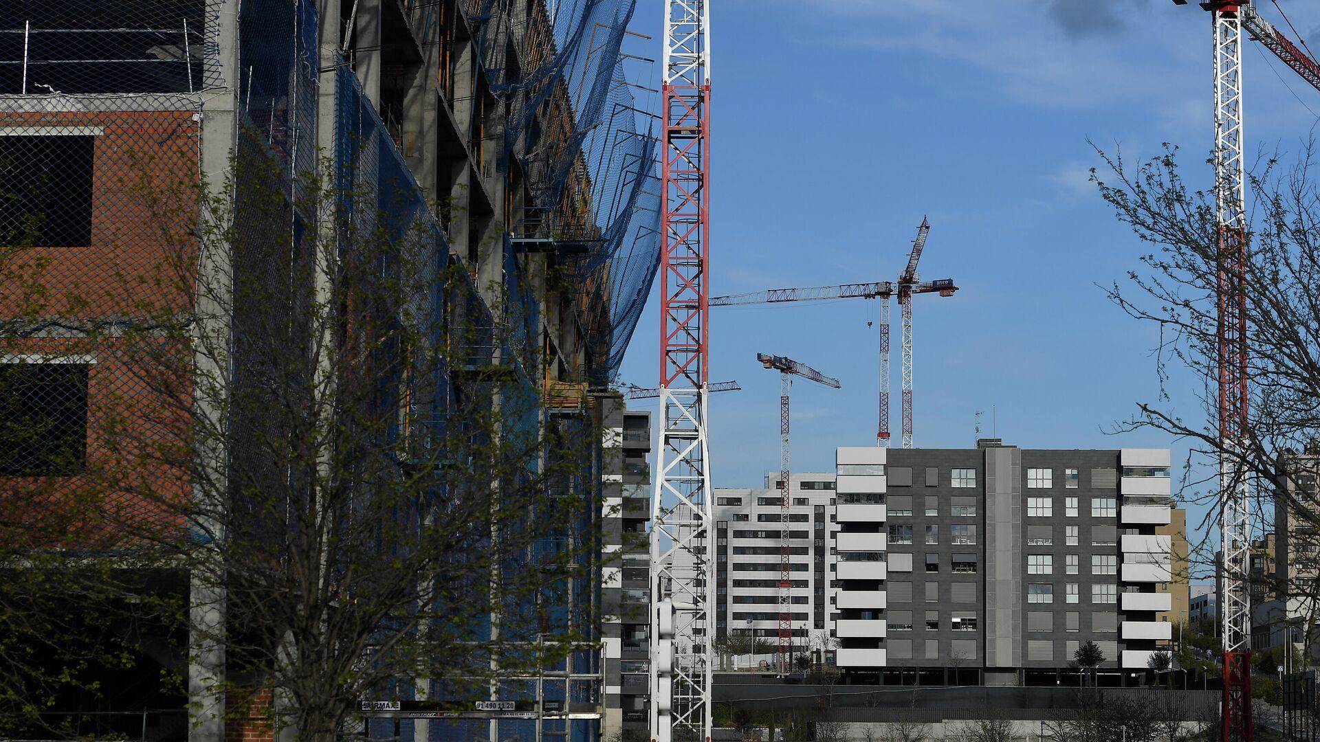 Construcción de pisos en una zona de Madrid durante los primeros meses de 2020 - Sputnik Mundo, 1920, 28.09.2021