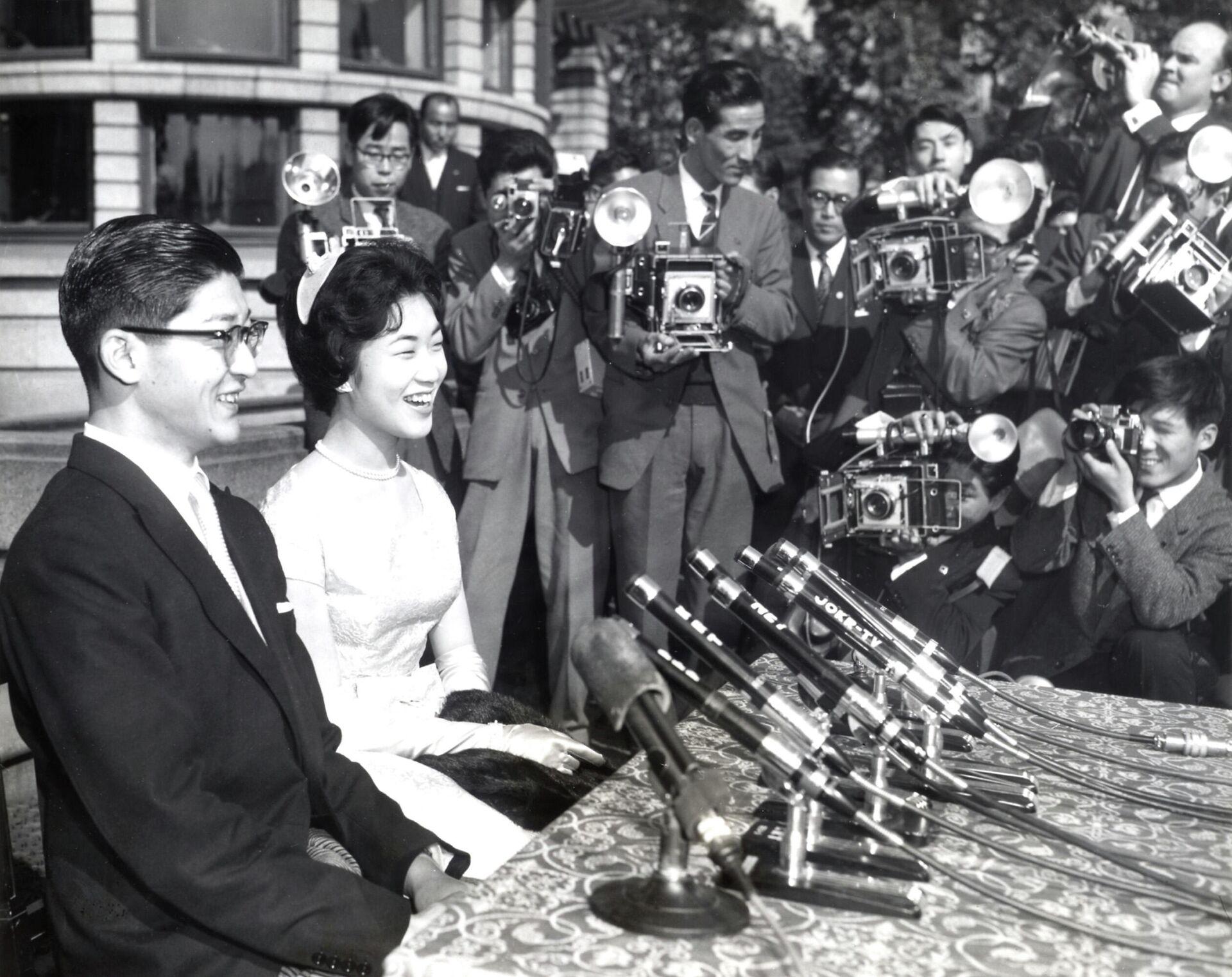 Una conferencia de prensa celebrada después de la boda de Takako y Hisanaga Shimazu - Sputnik Mundo, 1920, 29.09.2021