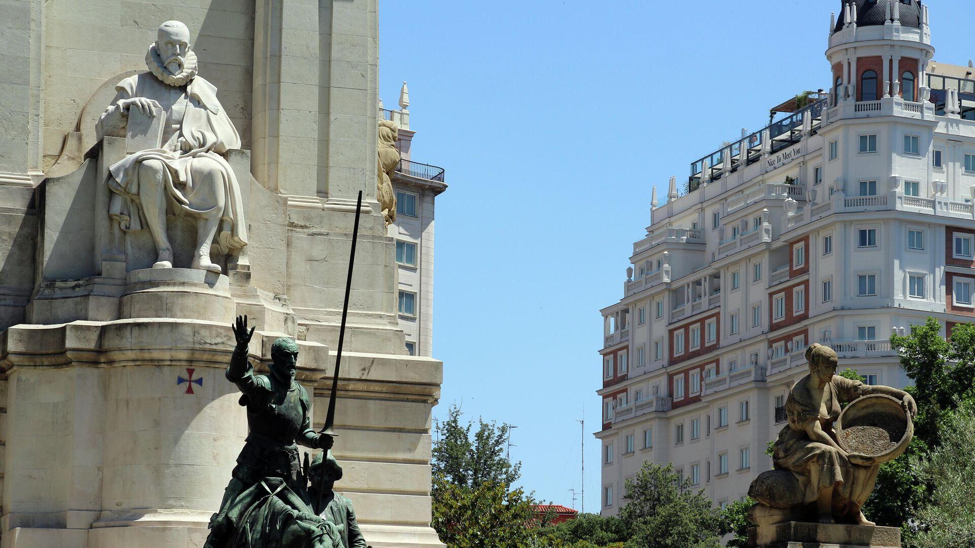 Monumento dedicado a Miguel de Cervantes en Madrid - Sputnik Mundo, 1920, 29.09.2021