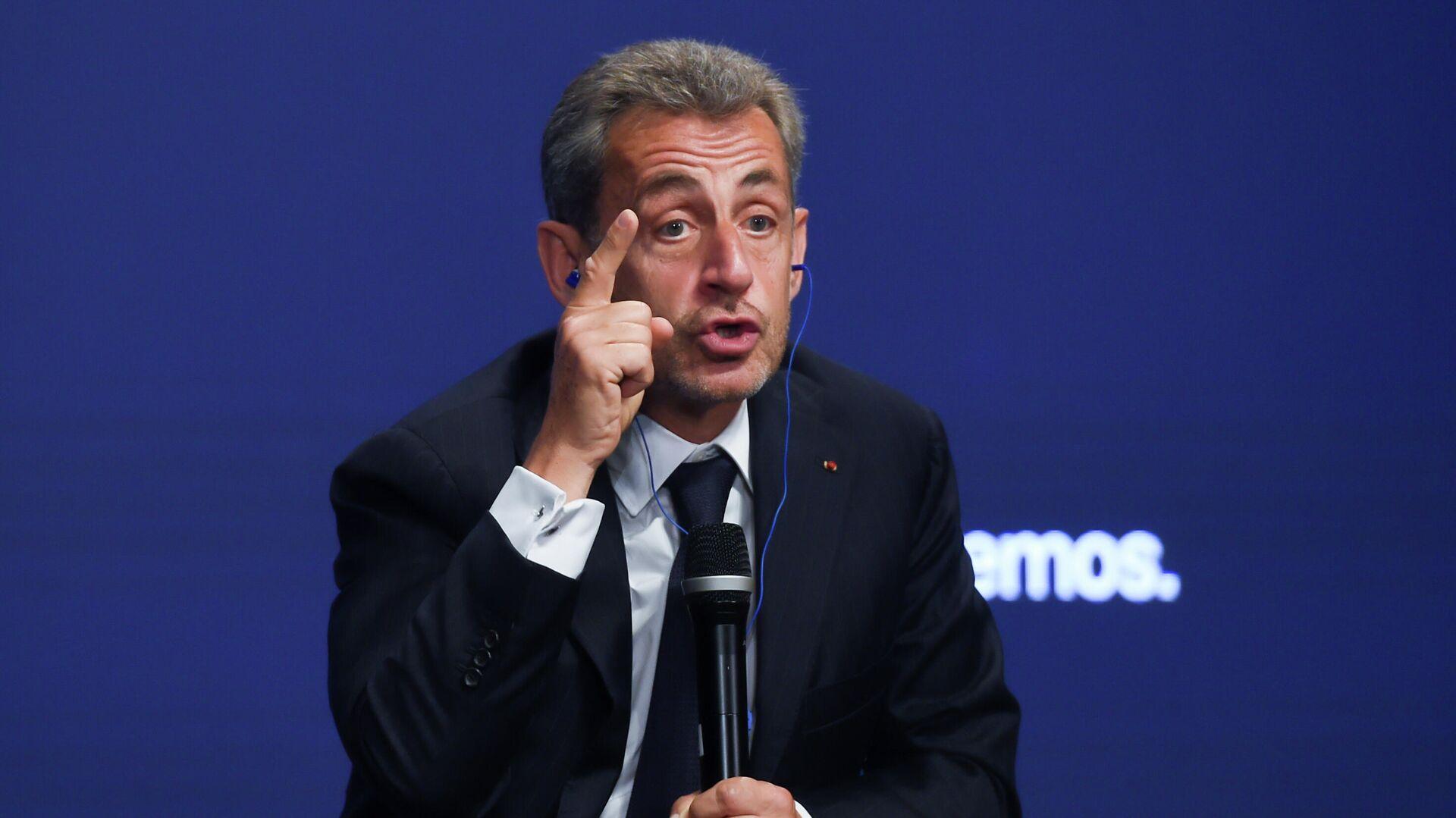 El expresidente de Francia Nicolas Sarkozy, durante la mesa titulada 'La sociedad abierta y sus enemigos', en el marco de la tercera jornada de la Convención Nacional del PP - Sputnik Mundo, 1920, 30.09.2021