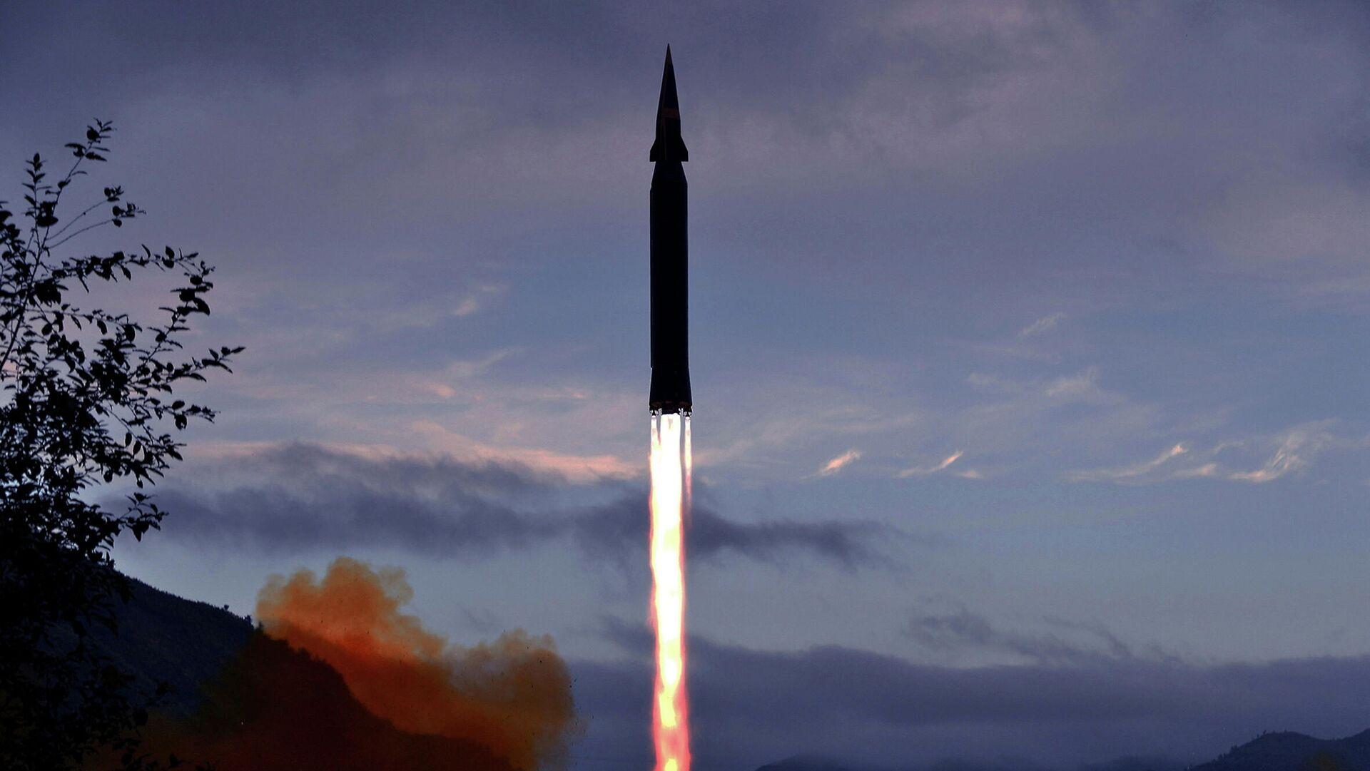 Lanzamiento de prueba del misil hipersónico Hwasong-8 - Sputnik Mundo, 1920, 30.09.2021