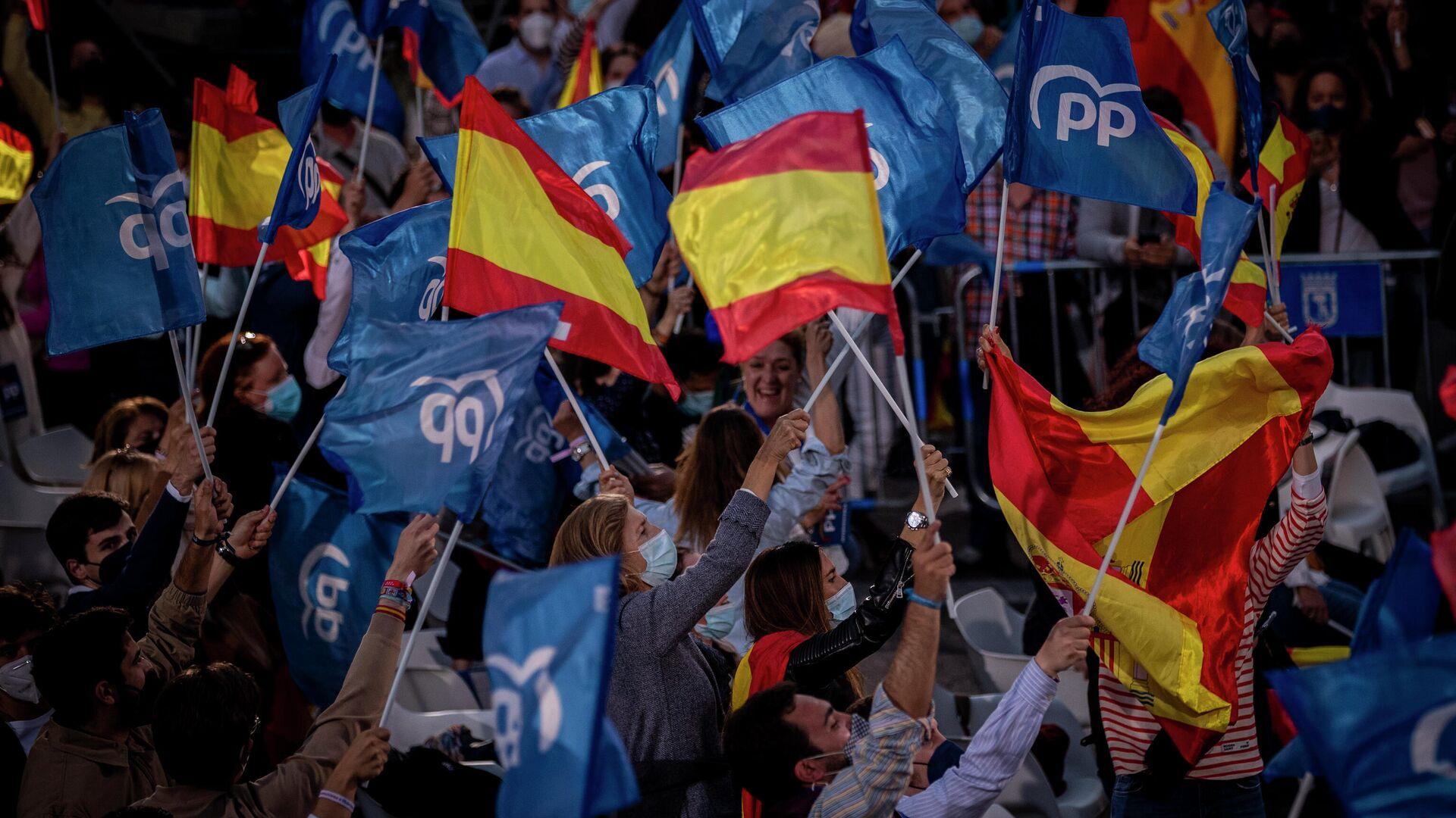 Los partidarios del Partido Popular español - Sputnik Mundo, 1920, 01.10.2021
