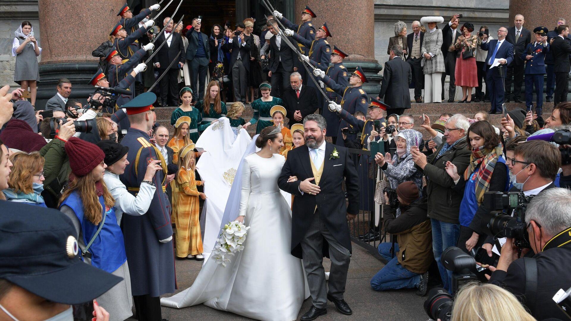La boda entre Jorge Románov y Rebecca Bettarini - Sputnik Mundo, 1920, 02.10.2021