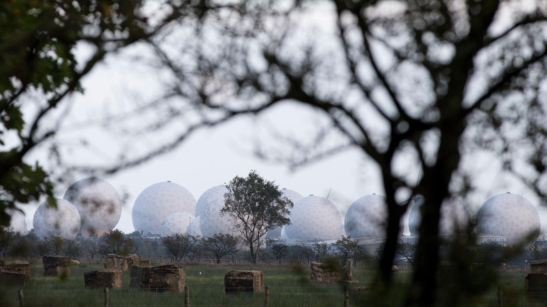 La base Menwith Hill de la Real Fuerza Aérea británica —RAF, por sus siglas en inglés— - Sputnik Mundo, 1920, 03.10.2021
