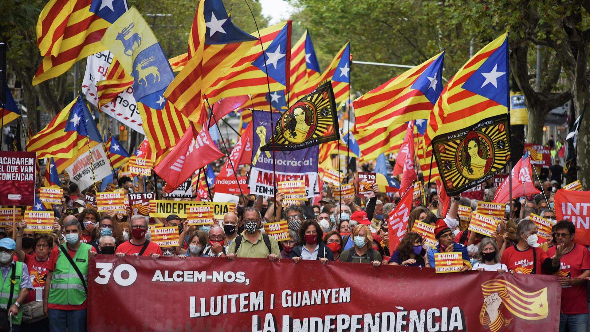 Manifestantes en Barcelona recuerdan en Barcelona el proceso independentista de 2017 - Sputnik Mundo, 1920, 03.10.2021