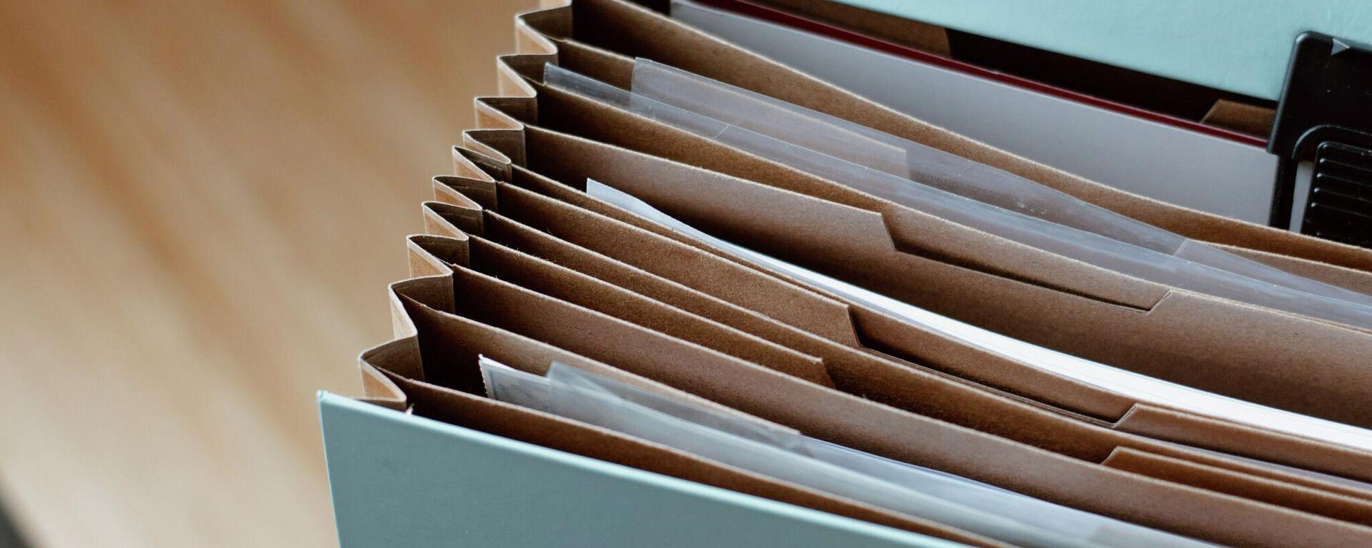Caja con documentos - Sputnik Mundo, 1920, 05.10.2021