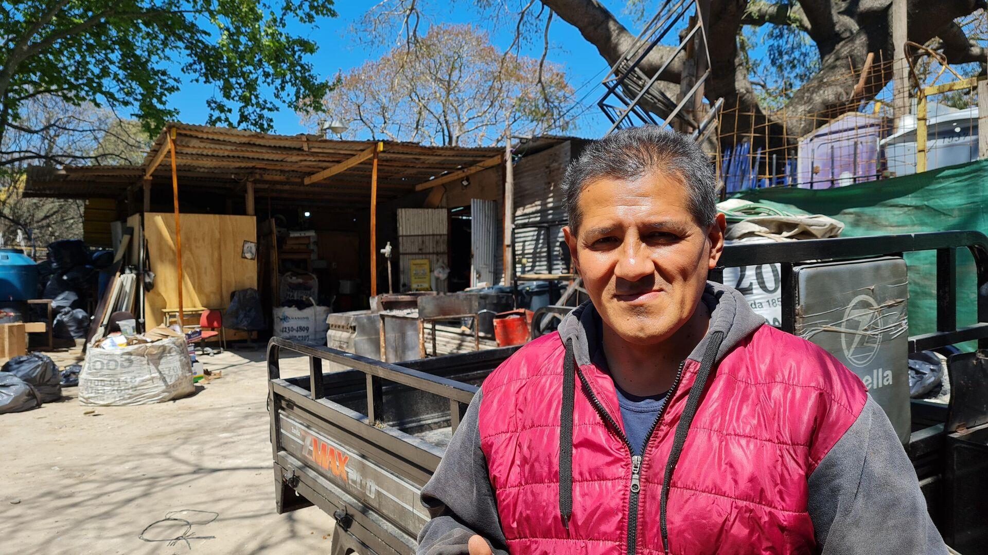 Andrés, supervisor del obrador e integrante del Movimiento de Villas y Barrios Germán Abdala - Sputnik Mundo, 1920, 08.10.2021