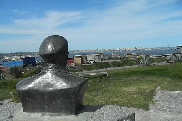 Busto del Che Guevara con vista a la bahía de Montevideo, Uruguay. - Sputnik Mundo