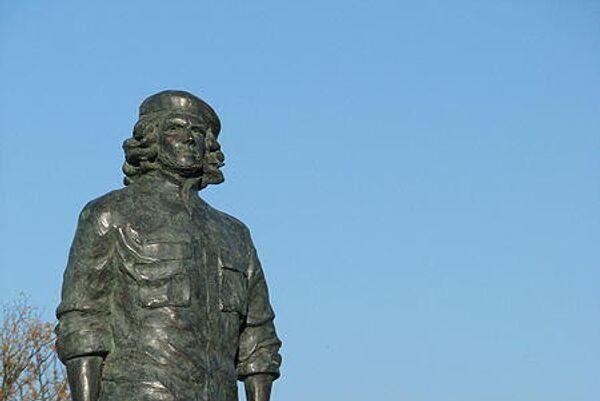 Estatua de Ernesto 'Che' Guevara en su ciudad natal, Rosario, Argentina. - Sputnik Mundo