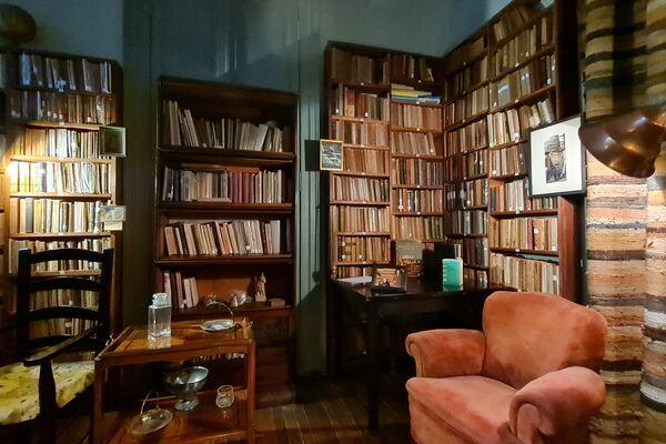 La vivienda de Xul Solar conserva su patrimonio personal y su biblioteca de 3.000 volúmenes - Sputnik Mundo